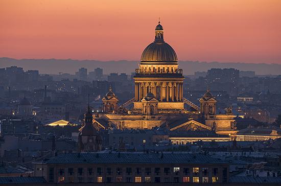 Губернатор Санкт-Петербурга ввёл для жителей города режим самоизоляции