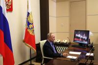 Путин призвал пожилых граждан оставаться дома
