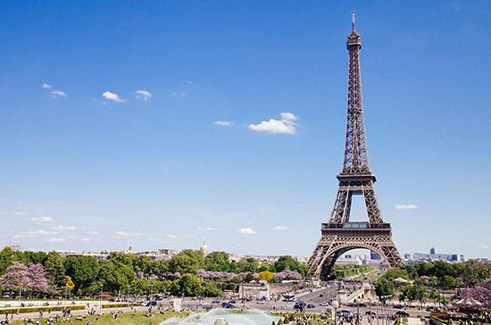 Как долго Эйфелева башня оставалась самой высокой в мире