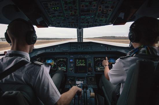 Путин продлил на 5 лет право иностранцев замещать должности командиров самолётов