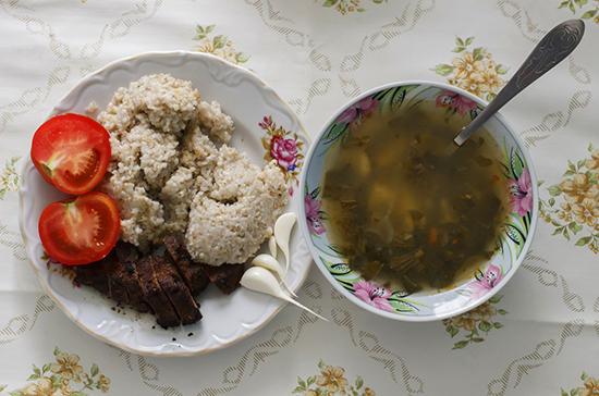 Школьникам в Тюменской области выдадут продуктовые наборы