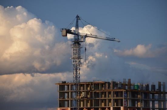 В Крыму приостановили все строительные работы