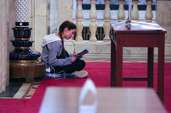 Минобрнауки рекомендовало вузам с 6 апреля возобновить учебный процесс дистанционно