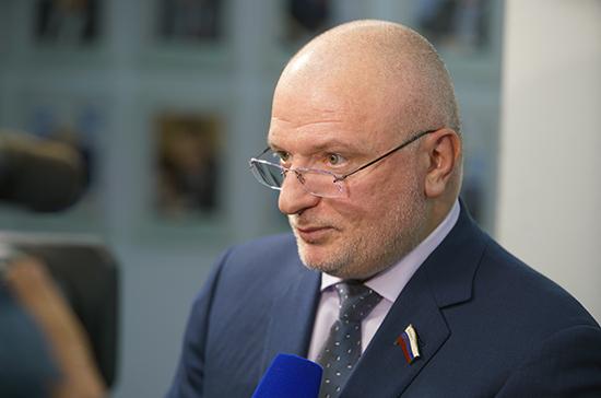 Клишас призвал обеспечить возвращение оставшихся за границей россиян