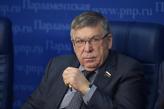 Рязанский считает, что рост рейтинга власти связан с принятыми социальными инициативами