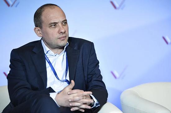 Бадовский: к росту рейтинга Госдумы привели принятие поправок в Конституцию и борьба с COVID-19