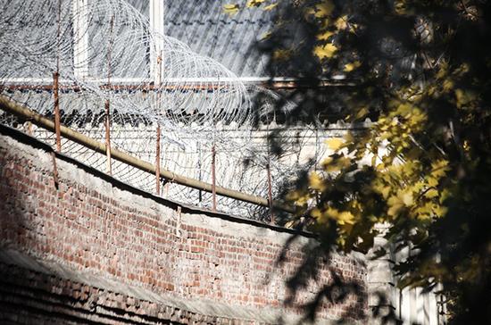 СМИ: в Италии 384 покинувшим карантин носителям вируса грозит тюрьма