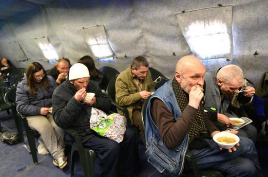 В Москве в условиях пандемии дополнительно закупят продукты для бездомных