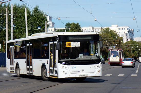 В Петербурге в часы пик будет больше автобусов