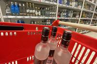 Эксперты не советуют использовать водку как антисептик