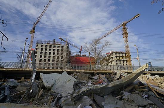 В Москве из-за короновируса приостановят строительство