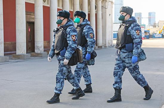 Для профилактики COVID-19 в Москве увеличили количество патрулей