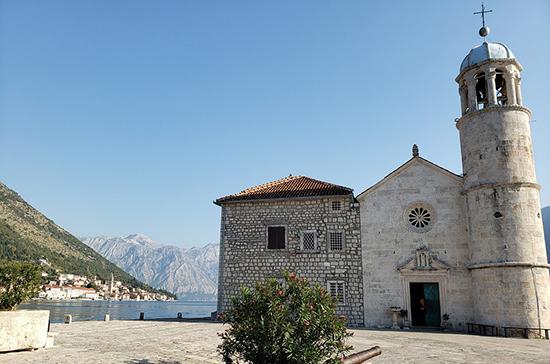 В Черногории запретили посещение храмов на Пасху