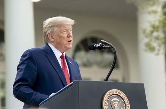 Дональд Трамп заявил о замедлении распространения COVID-19 в США