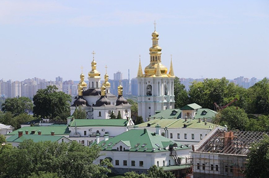 Киево-Печерскую лавру закрыли на карантин из-за коронавируса
