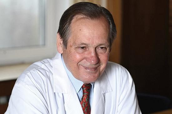Академик Чучалин назвал сроки улучшения ситуации с коронавирусом