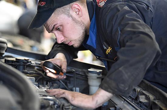 Страховщиков могут обязать ремонтировать авто на гарантии только у официальных дилеров