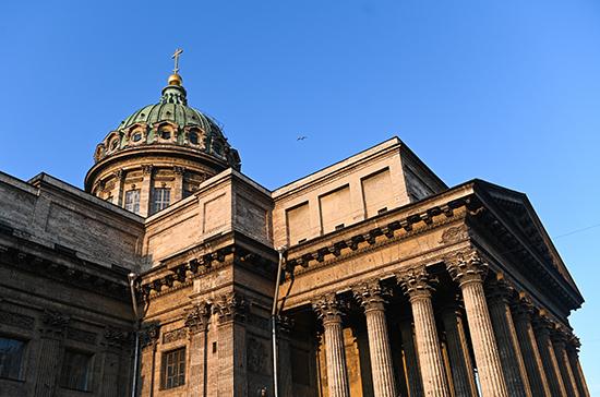 Пасха в Петербурге пройдёт без пропусков, но у телевизора