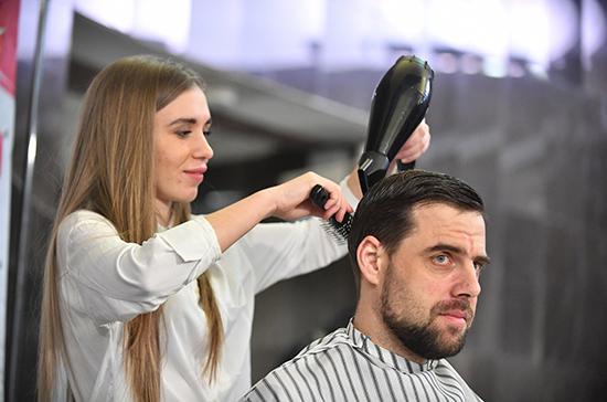 Опрос: большинство греков после карантина первым делом посетят парикмахерскую