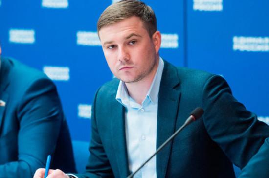 «Молодая гвардия» предложила вернуть на федеральные каналы новости с сурдопереводом