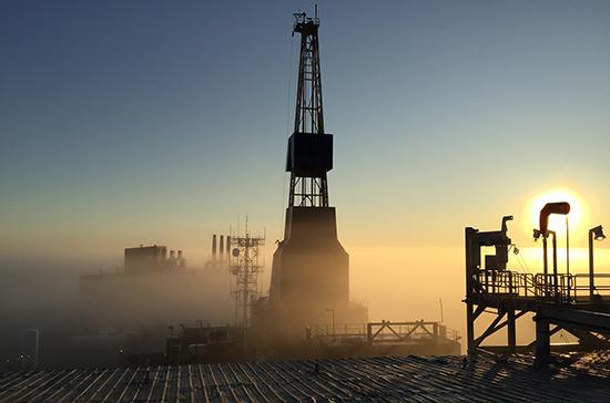 Стоимость нефти марки WTI опустилась до нуля