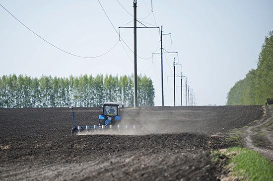 В Костромской области начались весенние полевые работы
