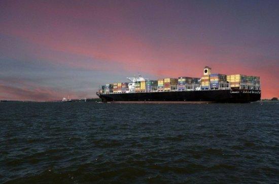 На борту захваченного пиратами в Бенине судна могут находиться россияне