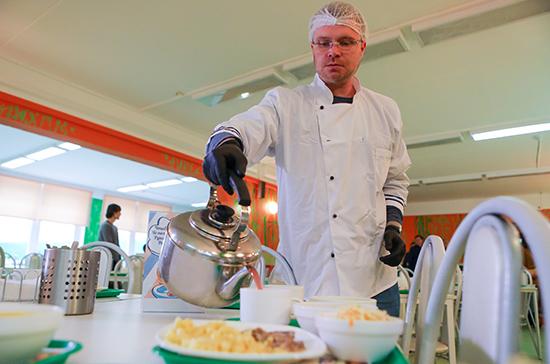 Роспотребнадзор сможет устанавливать требования к организации питания и качеству продуктов