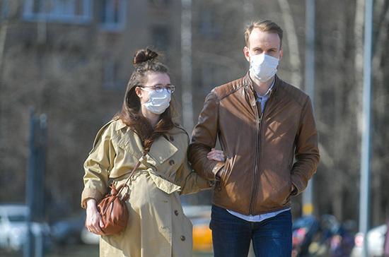 Врач объяснил, как ношение масок может остановить коронавирус