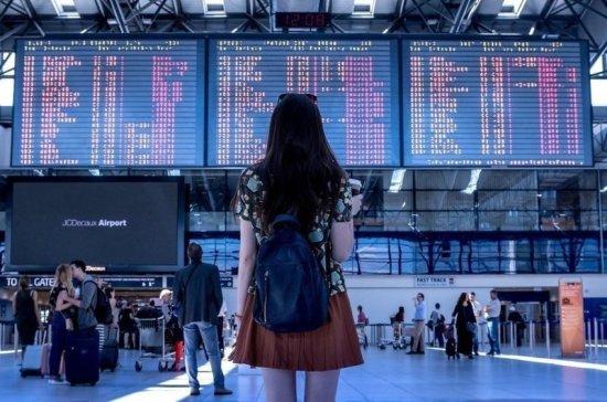 Крупнейший аэропорт Пекина возобновляет работу после коронавируса