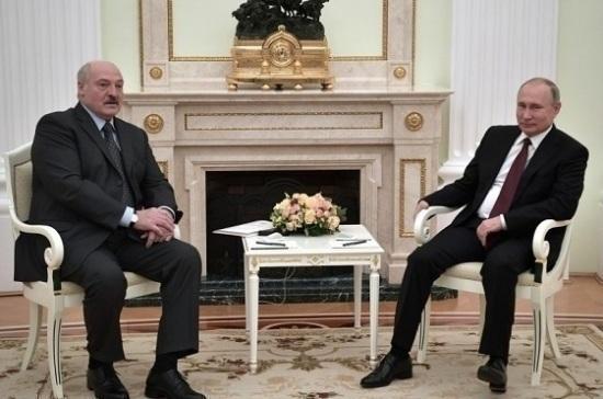 Путин обсудил по телефону с Лукашенко ситуацию с коронавирусом