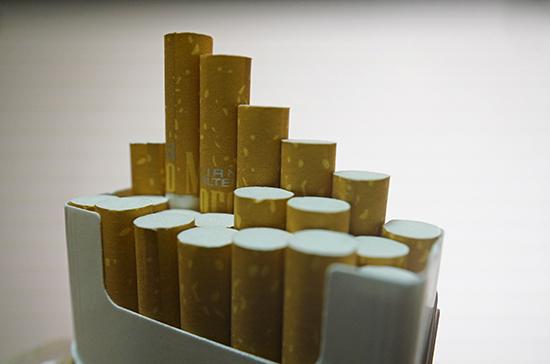 В Минздраве предупредили о смертельной опасности курения во время пандемии