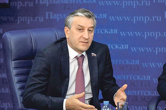 Депутат предложил распространить на самозанятых меры поддержки бизнеса во время эпидемии