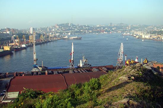 Земли порта Владивосток снова хотят распределять через торги