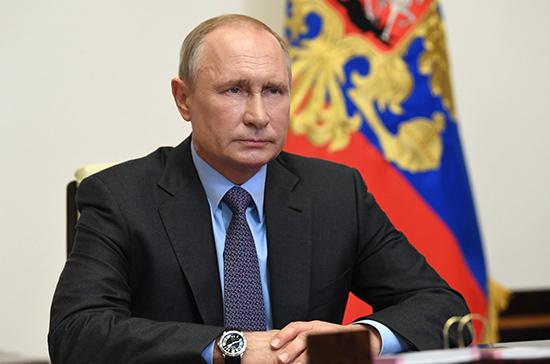 Владимир Путин поздравил Дональда Трампа с 75-летием Победы