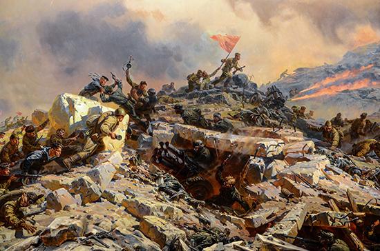Чтобы донести Красное знамя от Сапун-горы до Рейхстага, понадобился ровно один год