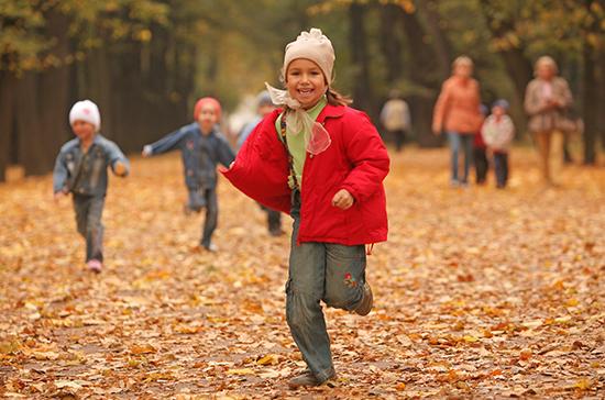 Выплату в 10 тысяч рублей могут назначить почти для 22 млн детей
