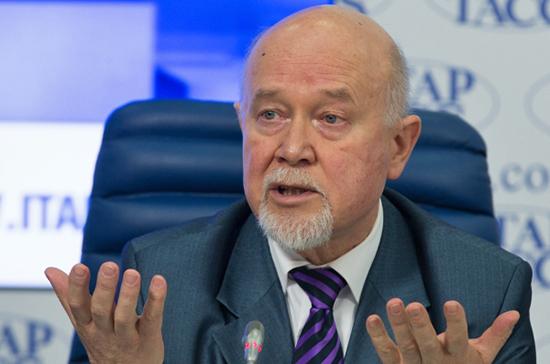 Прививать россиян от COVID-19 могут начать в 2021 году