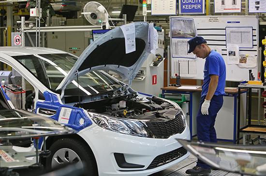 Меры господдержки автопрома позволят произвести более 220 тысяч машин, заявили в Минпромторге