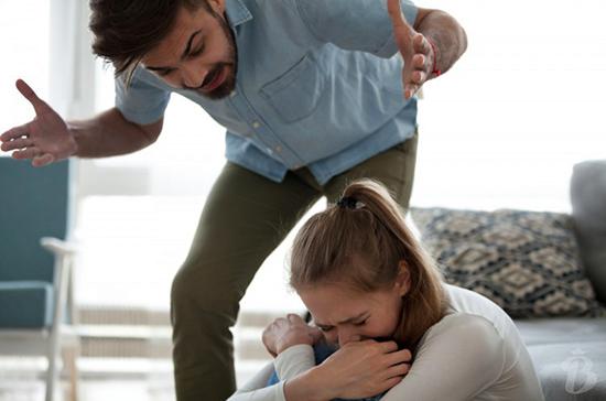 В МВД опровергли информацию о росте домашнего насилия из-за режима самоизоляции