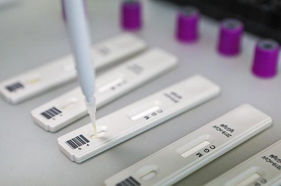 Тест на антитела к COVID-19 может показать их отсутствие у инфицированных в первые дни