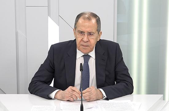 Пандемия коронавируса приведёт к последствиям в военно-политической сфере, считает Лавров