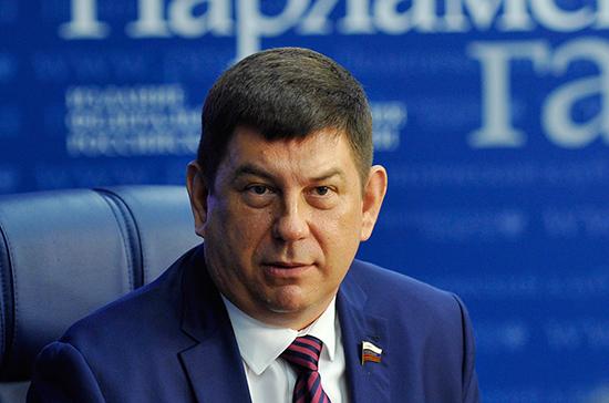 Смирнов предложил оборудовать в школах УФ-излучатели