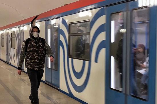 В Петербурге возбудили уголовное дело против буяна без маски