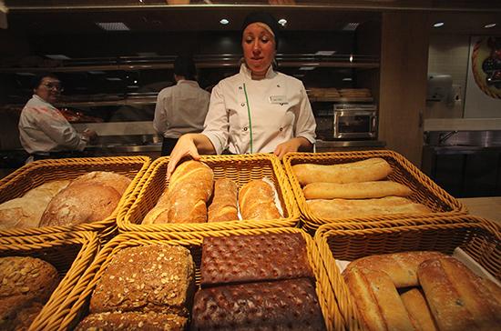 Хлеб и колбасу разрешили возить с несъедобными «попутчиками»
