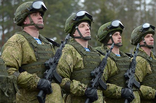 Число заразившихся COVID-19 военнослужащих в России составило 1617 человек
