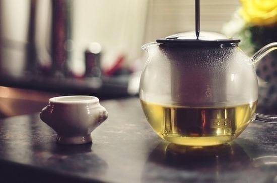 В закрытом на карантин китайском городе раздают антикоронавирусный чай