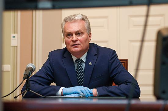 Президент Литвы требует равных условий в Евросоюзе для получения помощи