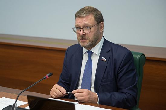 Косачев оценил позицию НАТО по выходу США из Договора по открытому небу