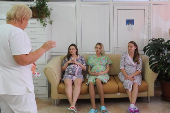 Минздрав обновил рекомендации по медпомощи беременным и роженицам с коронавирусом